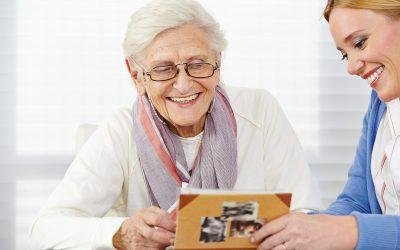 Simply Telling Stories Can Help Seniors Living With Dementia